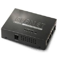 4 portov� konvertor pro nap�jen� po Ethernetov�m kabelu